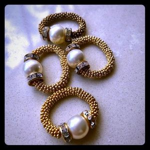 Stretch pearl ring with crystal rondels, gold fill